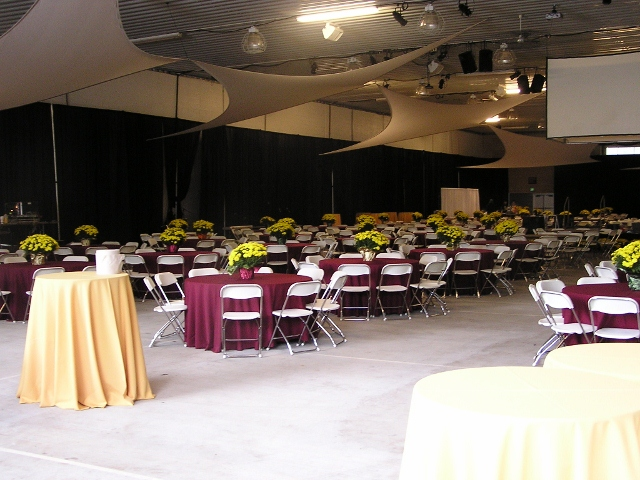 Auction guest tables